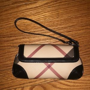 Authentic Burberry Nova check clutch